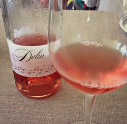 Nothing wrong with a little rosé on a Sunday!